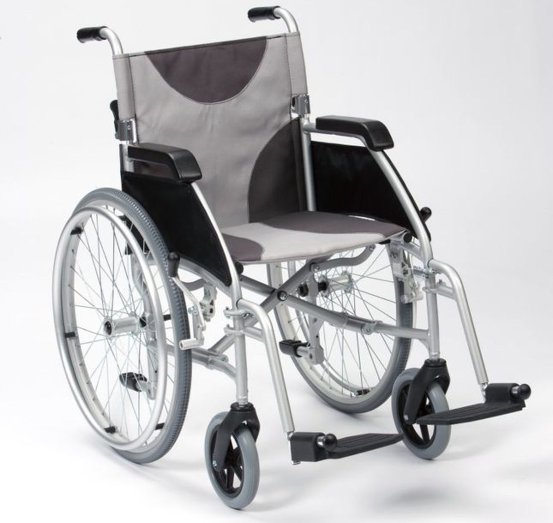 LAWC007A_Ultra_Lightweight_Alu_Wheelchair